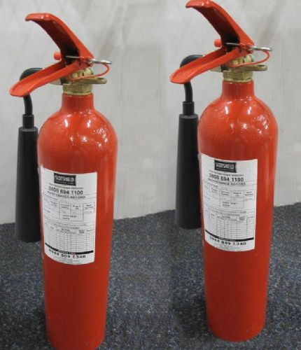 2 x Jewel Saffire Products RCD2 2Kg Corbon Dioxide(CO2) Fire Extinguisher